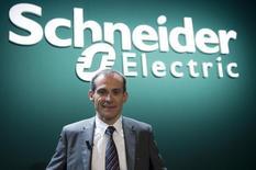 Jean-Pascal Tricoire,, président du directoire de Schneider Electric. Le numéro un mondial des équipements électriques basse et moyenne tension a fait état jeudi d'une hausse de 2,5% de son chiffre d'affaires au premier trimestre  /Photo d'archives/REUTERS/Gonzalo Fuentes
