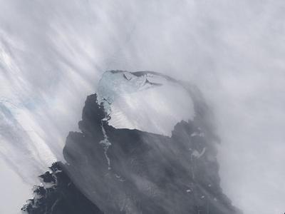 Islands of ice