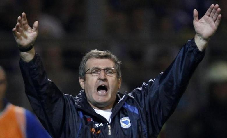 Bosnia coach Safet Susic gestures during their 2014 World Cup qualifying soccer match against Slovakia in Zenica, September 6, 2013. REUTERS/Dado Ruvic