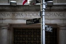 Wall Street a ouvert mardi en hausse après la publication d'une série de résultats trimestriels meilleurs que prévu. L'indice Dow Jones gagne 0,15% dans les premiers échanges. Le Standard & Poor's 500, plus large, progresse de 0,19% et le Nasdaq Composite prend 0,33%. /Photo prise le 4 février 2014/REUTERS/Brendan McDermid
