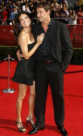 NBA star Marko Jaric arrives on the red carpet with supermodel Adriana Lima at the 2008 ESPY Awards in Los Angeles, California July 16, 2008.     REUTERS/Danny Moloshok