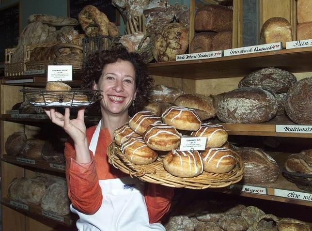 Pastry chef Nancy Silverton displays some of her baked goods, featured in her new cook book ''Nancy Silverton's Pastries from the La Brea Bakery'' at the La Brea Bakery in Hollywood California on October 17, 2000.