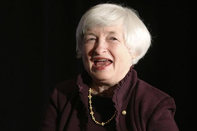 U.S. Federal Reserve Chair Janet Yellen smiles during applause after her speech before the Independent Community Bankers of America 2014 Washington Policy Summit in Washington May 1, 2014. REUTERS/Jonathan Ernst