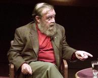 Internationally-renowned author and environmentalist Farley Mowat speaks at Toronto's International Festival of Authors in this October 23, 1998 file photo. REUTERS/Peter Jones/Files