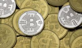 La commission électorale des Etats-Unis (FEC) a autorisé jeudi le financement des campagnes politiques en bitcoins, monnaie virtuelle apparue sur internet. /Photo prise le 31 janvier 2014/REUTERS/Jim Urquhart