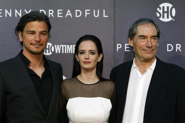 Cast members Josh Hartnett, (L-R) Eva Green and Timothy Dalton arrive for the world premiere of television series ''Penny Dreadful'' in New York May 6, 2014. REUTERS/Eduardo Munoz
