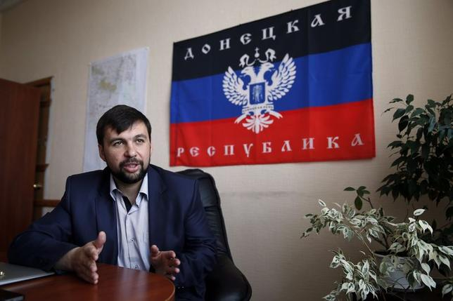 Denis Pushilin, senior member of the separatist rebellion leadership, meets with journalists in Donetsk, May 12, 2014. REUTERS/Maxim Zmeyev
