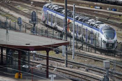 French rail company orders 2,000 trains too wide for...