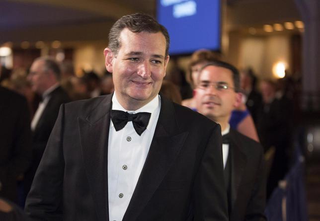 Senator Ted Cruz (R-TX) walks during the White House Correspondents' Association Dinner in Washington May 3, 2014. REUTERS/Joshua Roberts