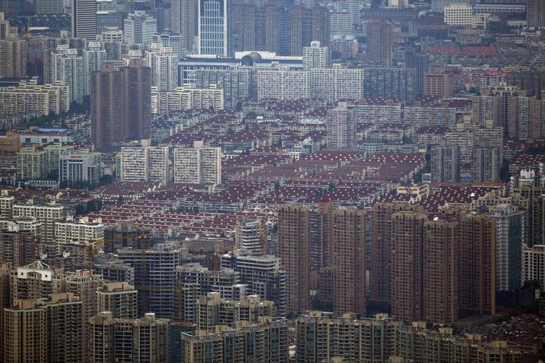 A general view of a residential area in the Puxi district of Shanghai August 2, 2013.  REUTERS/Carlos Barria
