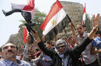 Egypt's Sisi wins election, faces economic challenges