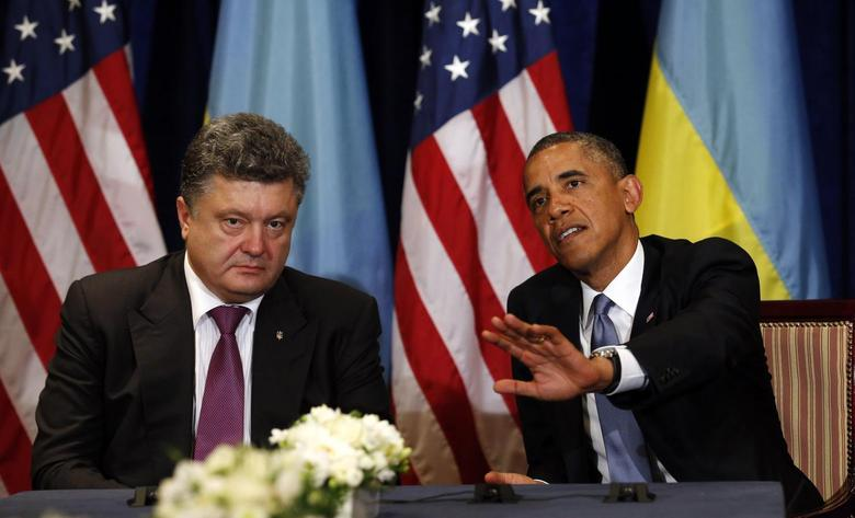 U.S. President Barack Obama meets with Ukraine President-elect Petro Poroshenko in Warsaw June 4, 2014.  REUTERS/Kevin Lamarque