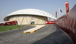 Réplica de estádio fotografada no Catar durante inspeção da Fifa, em Doha. 14/09/2010 REUTERS/Fadi Al-Assaad