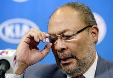 Los Angeles Clippers interim CEO Richard Parsons speaks during a news conference at Staples Center in Los Angeles, California May 12, 2014. REUTERS/Kevork Djansezian