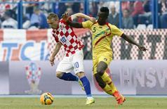 Modric joga pela Croácia contra Mali em 31 de maio.  REUTERS/Antonio Bronic
