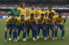 Seleção brasileira tira foto antes de amistoso contra Sérvia no estádio do Morumbi, em São Paulo, em 6 de junho de 2014. REUTERS/Paulo Whitaker