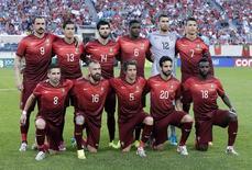 Equipe titular de Portugal antes do amistoso pré-Copa contra a Irlanda, em Nova Jersey, nos EUA.  10/06/2014. REUTERS/Ray Stubblebine  (UNITED STATES - Tags: SPORT SOCCER WORLD CUP)