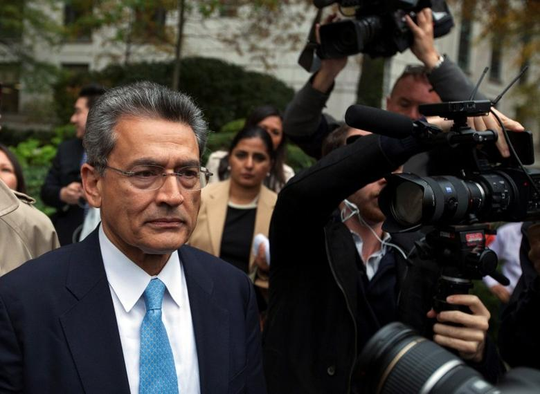 Former Goldman Sachs Group Inc board member Rajat Gupta departs Manhattan Federal Court after being sentenced in New York, October 24, 2012.   REUTERS/Lucas Jackson