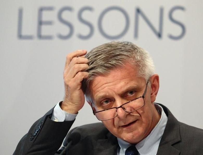 Marek Belka, President of the National Bank of Poland (Narodowy Bank Polski), delivers a speech during a conference on European economic integration in Vienna November 18, 2013. REUTERS/Heinz-Peter Bader