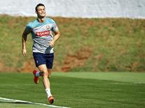 Jogador português Cristiano Ronaldo corre durante treino em Campinas. 19/6/2014 REUTERS/Mauro Horita