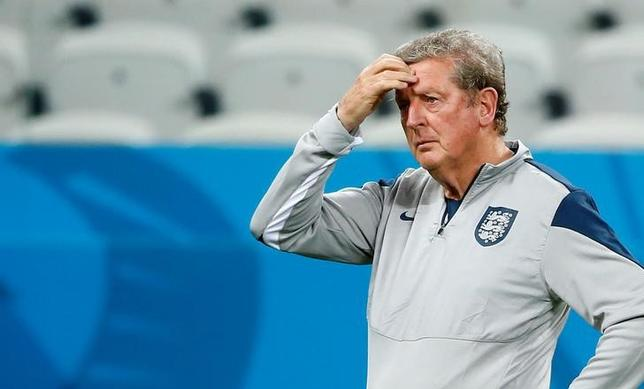 England's manager Roy Hodgson attends a training session at the Arena Corinthians stadium in Sao Paulo, June 18, 2014.REUTERS/Tony Gentile