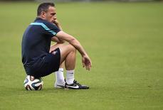 Técnico de Portugal Paulo Bento durante treinamento no estádio Fonte Nova, em Salvador.  15/06/2014.  REUTERS/Dylan Martinez