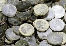 La collecte nette du Livret A et du Livret de développement durable (LDD) a été négative de 90 millions d'euros en mai, selon les données publiées lundi par la Caisse des dépôts. /Photo d'archives/REUTERS/Leonhard Foeger