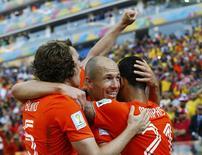 Holandeses comemoram gol contra o Chile nesta segunda-feira.  REUTERS/Ivan Alvarado
