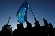 Протестующие на майдане в Киеве 3 декабря 2013 года. REUTERS/Sergii Polezhaka