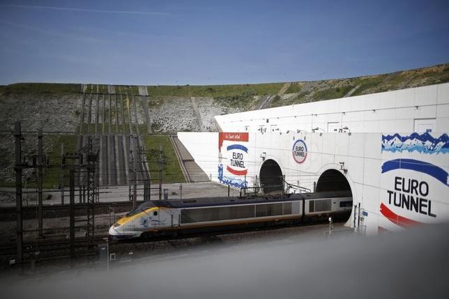 A high-speed Eurostar train exits the Channel tunnel in Coquelles, near Calais, May 5, 2014. REUTERS/Christian Hartmann