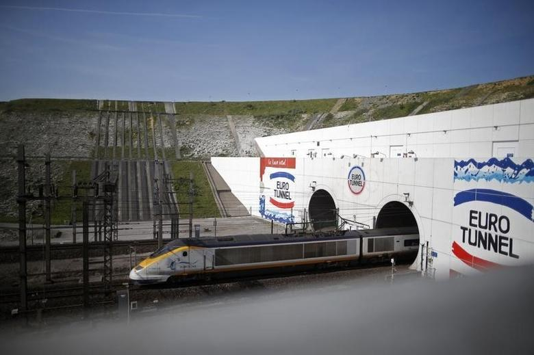 A high-speed Eurostar train exits the Channel tunnel in Coquelles, near Calais, May 5, 2014. REUTERS/Christian Hartmann