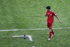 Diego Costa deixa o campo após ser substituído em partida da Espanha contra o Chile, no Rio de Janeiro. 18/06/2014. REUTERS/Ricardo Moraes