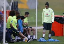 Neymar em treino do Brasil nesta terça-feira.   REUTERS/Marcelo Regua