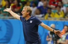 Técnico dos Estados Unidos, Juergen Klinsmann, durante partida contra a Bélgica em Salvador. 01/07/2014. REUTERS/Yves Herman