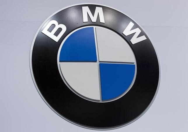 A BMW logo is pictured at the Jacob Javits Convention Center during the New York International Auto Show in New York April 16, 2014.  REUTERS/Carlo Allegri