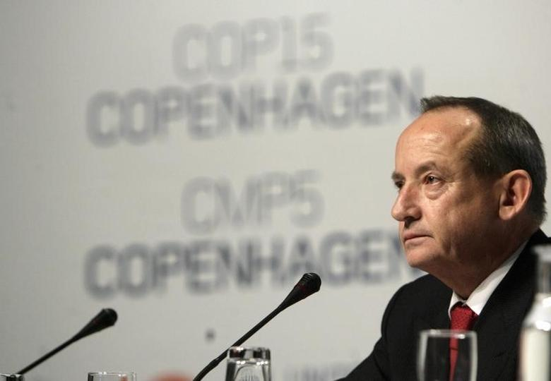 Yvo de Boer, head of the U.N. Climate Change Secretariat, attends a news conference at the 2009 United Nations Climate Change Conference in Copenhagen December 19, 2009. REUTERS/Ints Kalnins