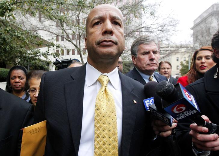 Former New Orleans Mayor C. Ray Nagin leaves the courthouse after being found guilty on graft charges in New Orleans, Louisiana February 12, 2014. REUTERS/Jonathan Bachman