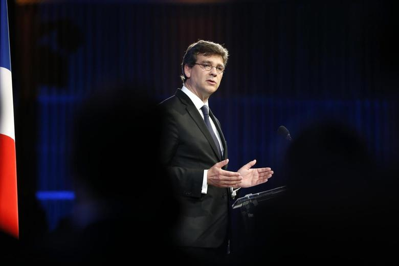 French Economy Minister Arnaud Montebourg delivers a speech during a conference about the economic recovery of France at the Bercy ministry in Paris July 10, 2014.  REUTERS/Charles Platiau