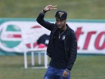 Neymar visita Granja Comary, em Teresópolis, no Rio de Janeiro. 10/07/2014. REUTERS/Stringer/Brazil