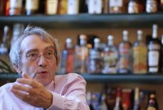 Pierre Pringuet, directeur général de Pernod Ricard. Le groupe a déboursé moins de 100 millions de dollars (73,5 millions d'euros) pour devenir le principal propriétaire d'Avión Spirits, qui commercialise la tequila ultra-premium Avión. /Photo d'archives/REUTERS/Christian Hartmann