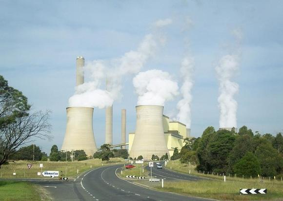 Vapour rises from cooling towers at the Loy Yang coal fired power station, about 150 km (93 miles) east of Melbourne in Victoria state April 2, 2012. REUTERS/Sonali Paul