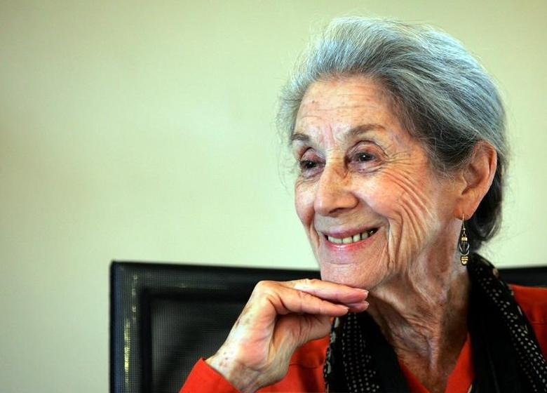 Nobel Prize for literature laureate Nadine Gordimer attends a memorial for [Nelson Mandela's biographer and former Drum editor late Anthony Sampson] in Johannesburg February 8, 2005. - RTXN8CI