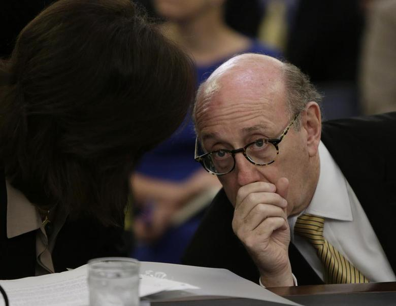 Attorney Kenneth Feinberg, who will oversee claims and compensation in the General Motors ignition/airbag failures, appears before the Senate Commerce, Science and Transportation Subcommittee in Washington July 17, 2014. REUTERS/Gary Cameron