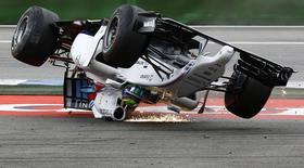 Piloto de F1 da Williams Felipe Massa sofre acidente no circuito de Hockenheim, na Alemanha. 20/7/2014.    REUTERS/Kai Pfaffenbach