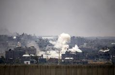 Ataque israelense contra a Faixa de Gaza nesta terça-feira. 22/07/2014 REUTERS/Baz Ratner