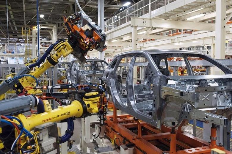 The upgraded North section of the Chrysler Toledo Assembly Complex which will be used to produce the Jeep Cherokee is seen during a media tour, in Toledo, Ohio July 18, 2013.   REUTERS/James Fassinger
