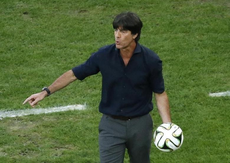 Germany's coach Joachim Loew reacts during their 2014 World Cup final against Argentina at the Maracana stadium in Rio de Janeiro July 13, 2014. REUTERS/Fabrizio Bensch