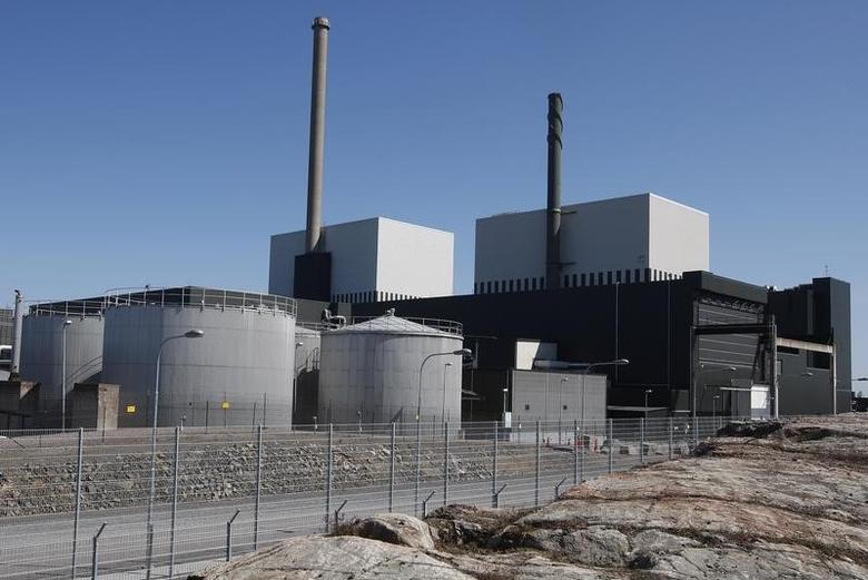 File picture dated May 22, 2008, of Oskarshamn nuclear power plant in Oskarshamn, Sweden. As Japan fights to avert a meltdown at crippled nuclear reactors in the wake of a huge earthquake and tsunami on March 11, 2011, the crisis is likely to increase opposition to plans for a major nuclear expansion in Europe and focus attention on the vast potential costs of a nuclear disaster. REUTERS/Scanpix/Mikael Fritzon/Files