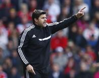 Mauricio Pochettino reacts during a English Premier League soccer match against Everton at St Mary's stadium in Southampton, southern England April 26, 2014. REUTERS/Eddie Keogh