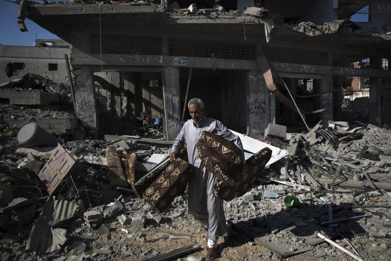 Fighting in Gaza abates, but truce hopes look fragile